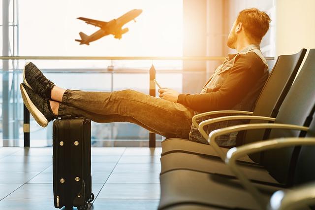 Cómo actuar frente un retraso de vuelo o cancelación - MLD Abogados Lanzarote