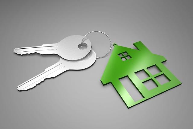 La fianza en los contratos de arrendamiento es una cantidad en metálico que el arrendatario debe entregar al arrendador para garantizar los posibles incumplimientos por parte del inquilino, ya sea por daños o por impago de renta: MLD Abogados Lanzarote